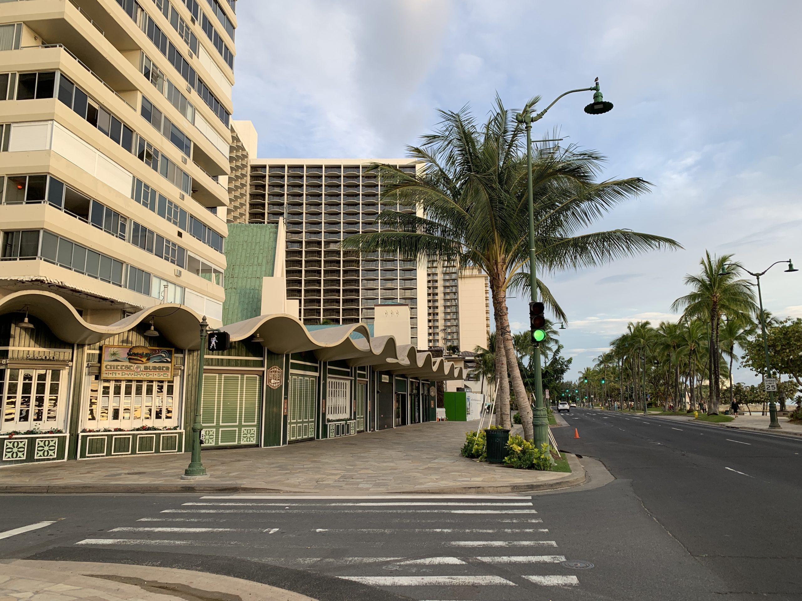 Waikiki businesses closed