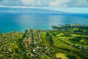 Napili Bay, Maui (Photo by Andrew Bain on Unsplash)